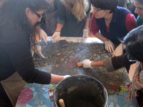 Mosaic workshop-grouting